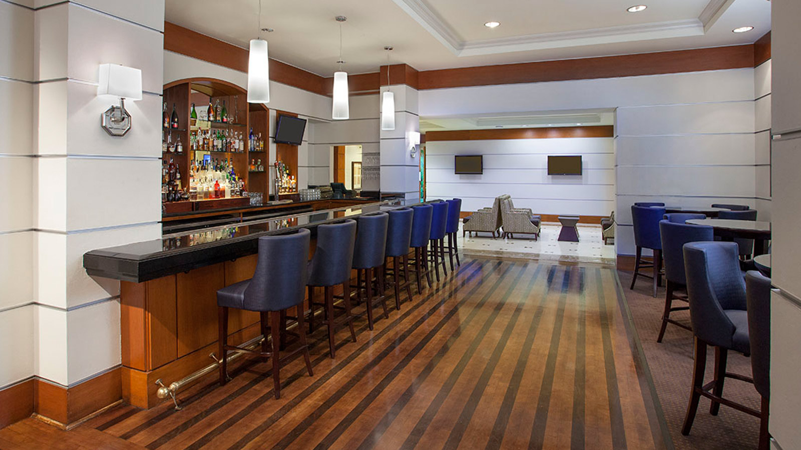 Sheraton Suites Houston near the Galleria - Wild Plum Lounge